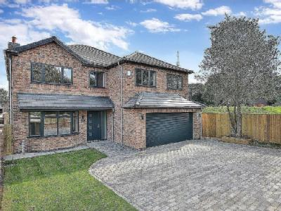 Berry Hill Lane, Mansfield - Detached