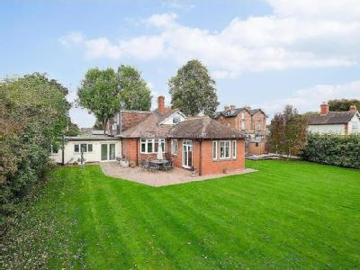 Linden Gardens, Shrewsbury - Detached