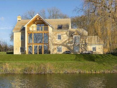 Waters Edge, Wansford - Detached