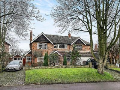 Broadwalk, Prestbury, Macclesfield, SK10