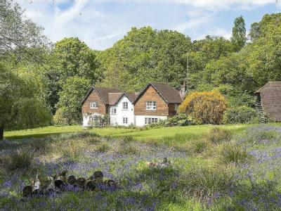 Sweetwater Lane, Wormley, Godalming, Surrey, GU8