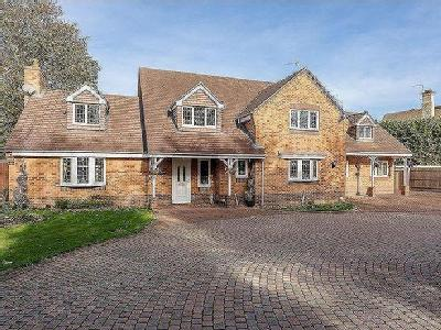 House for sale, Stamford - Detached