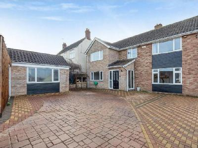 House for sale, Coaley - Detached