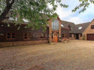 Blossom Barn, March - Detached