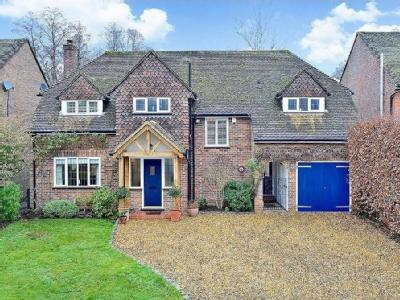 Linersh Wood Close, Bramley, Guildford GU5