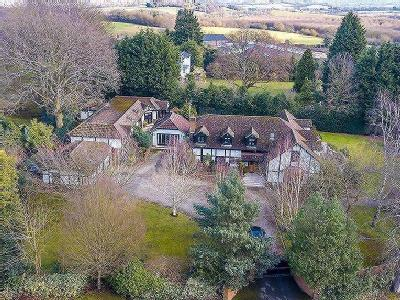 Theydon Road, Epping, Essex, CM16