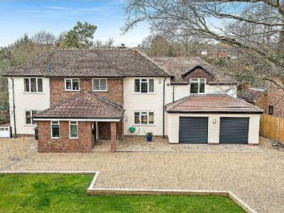 Kimbolton Road, Bedford - Detached
