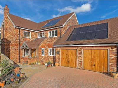 Grendon Way, Bierton - Detached