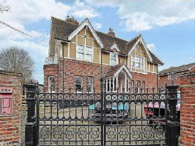Rowhill Road, Hextable - Detached