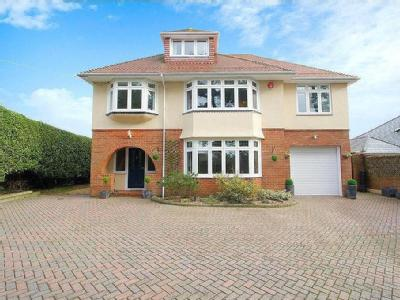 Becton Lane, Barton On Sea, Hampshire, BH25