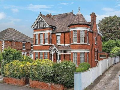 Maidstone Road, Chatham, - Detached