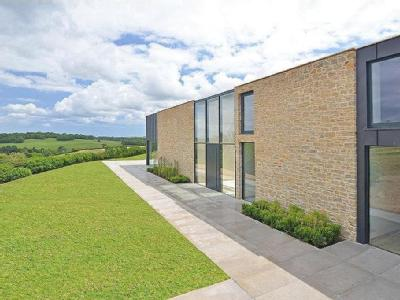 South Hams, Devon, TQ9 - Detached