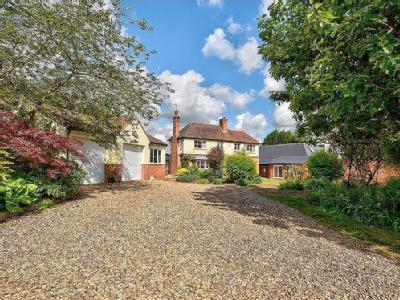 Stanstead Road, Hunsdon - Detached