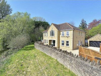 Lake View, Calne - Detached, Garden