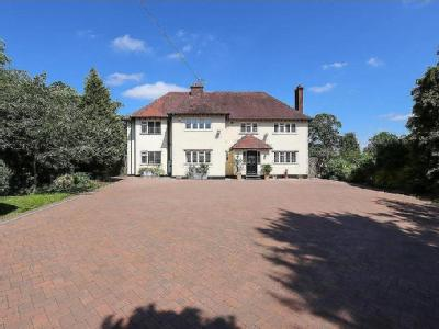 Fallows End, Baslow Road, Holymoorside, Chesterfield, S42
