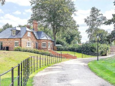 North Court, The Ridges, Finchampstead, Berkshire, RG40