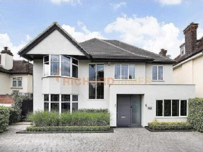 Uphill Road, Mill Hill - Detached