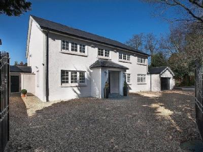 Avenue Road, Dorridge - Detached, Gym