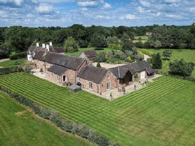 Stapeley, Cheshire - Detached