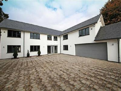 House for sale, Burbage - Garden
