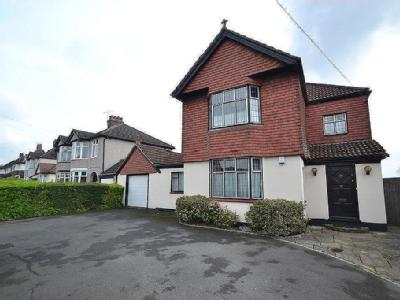 Chase Cross Road, Romford - Detached