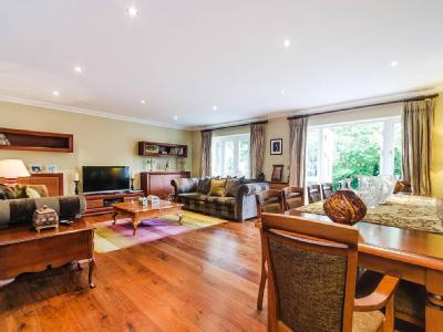 Daisy Close, Kingsbury NW9 - Detached