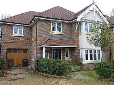 Daisy Close, London NW9 - Detached