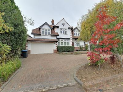Eversley Crescent, Winchmore Hill N21