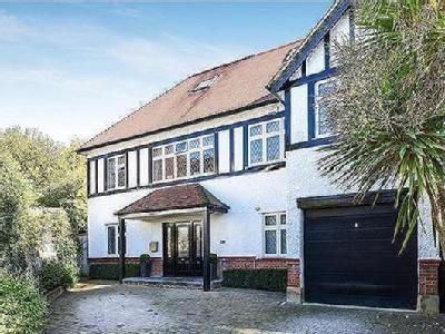 Lawrence Court, London NW7 - Detached