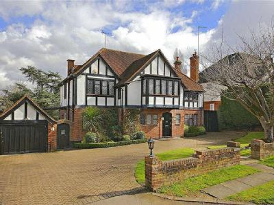Pine Grove, Totteridge, London N20