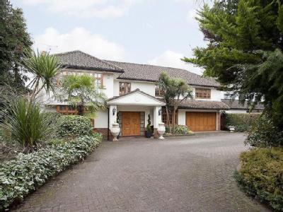 Pynnacles Close, Stanmore, Middlesex HA7