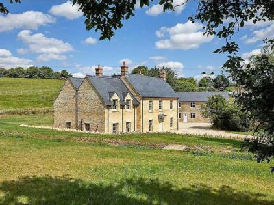 House for sale, Kiddington - Detached