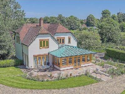 GREAT GRANSDEN - EQUESTRIAN DETACHED PROPERTY