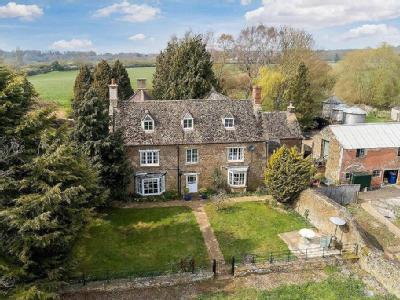 Hook Norton, Oxfordshire - Listed