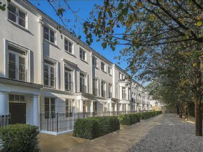 Hamilton Drive, St John's Wood, London, NW8