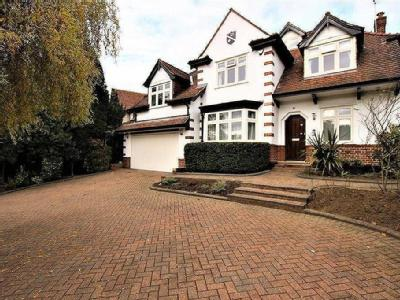 Eversley Cresent, Winchmore, London