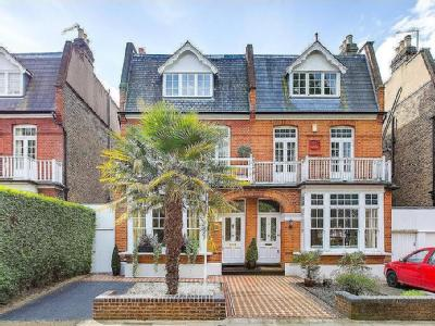Lawn Crescent, Kew, Surrey - Freehold