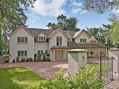 Wentworth Estate, Abbots Dr - Garden