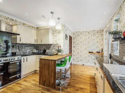 House for sale, The Avenue - Freehold