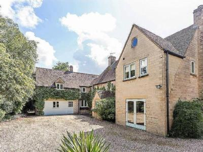 House for sale, Private Road - Gym