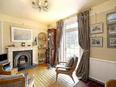 House for sale, Warfield - Freehold
