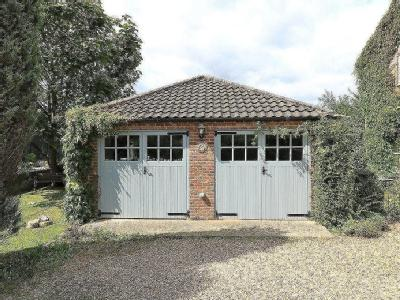 House for sale, Vicarage Road - Patio