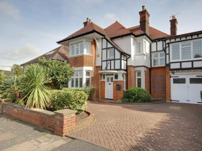 Branscombe Gardens, Winchmore Hill N21