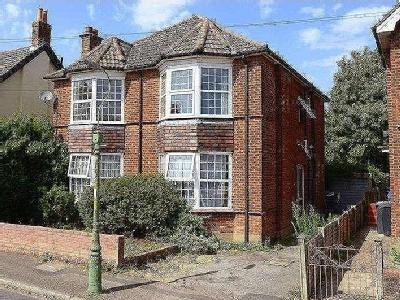 Shelbourne Road, Bournemouth, BH8