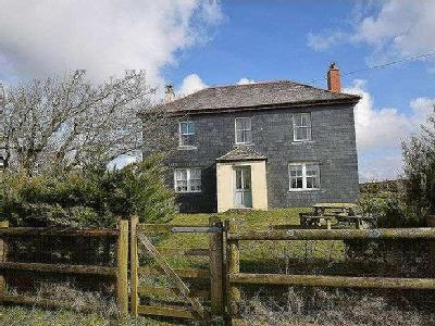 Camelford, PL32 - High Ceilings