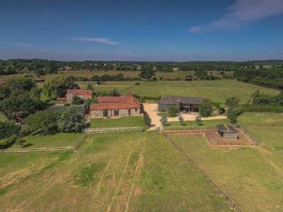 Property for sale, Roudham - Modern