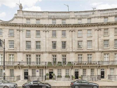 Wilton Crescent, London SW1X - Listed