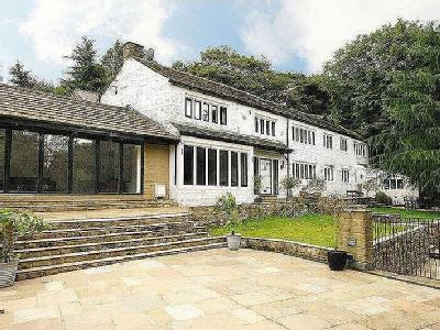 Clough Bottom, Uppermill, OL3 - Patio