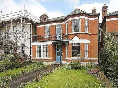 Idmiston Road, London, SE27 - Garden