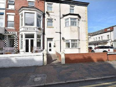 Nelson Road, Blackpool, FY1
